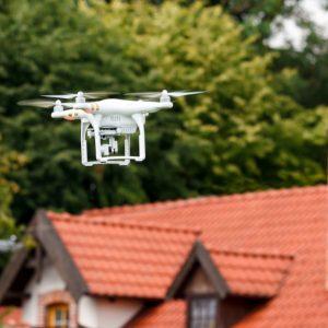 Drohne-Dachrinnenreinigung