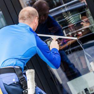 Fensterputzer-Schaufenster